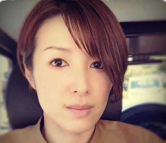 モダンヘアスタイル 吉瀬美智子 髪型 画像 : fairdink.com