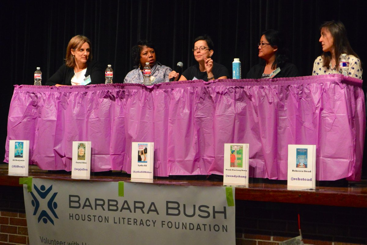 Nothing but TROUBLE! @tweensread festival with @rcpjallen @alibenj1 @WendyShang @rebstead http://t.co/bwoxMbuU3p