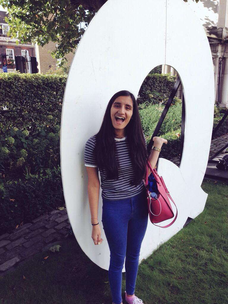 Giant Q's spotted on campus 👀 #QMULWelcome http://t.co/xA13WaxzKo
