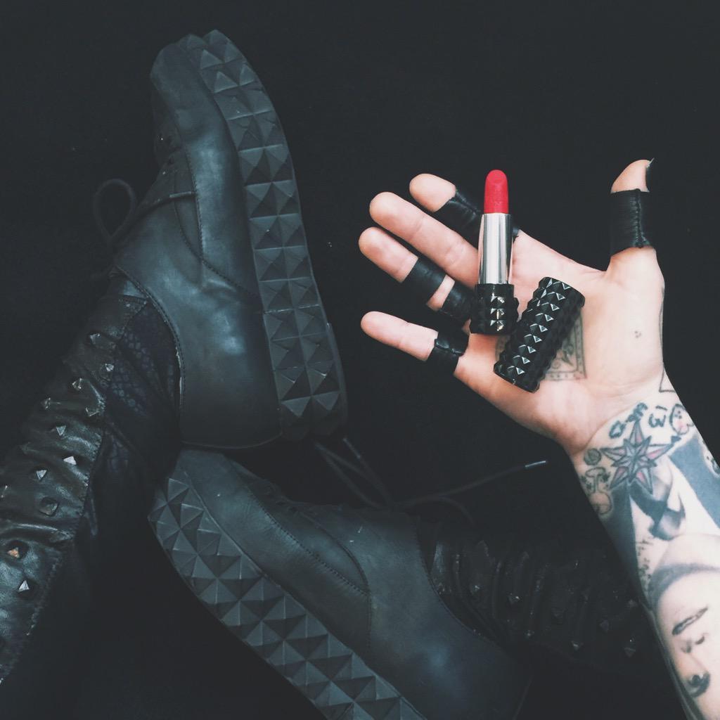 #StuddedKiss Lipstick to match my studded everything. @KATVONDbeauty ❤️ http://t.co/M2ZvMgOC1w