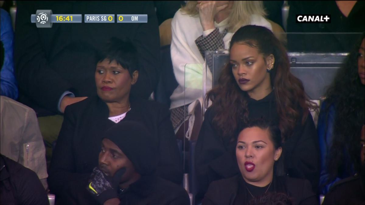 Pour une fois, ce n'est pas elle la star de la soirée. Quoique...  #PSGOM #Rihanna