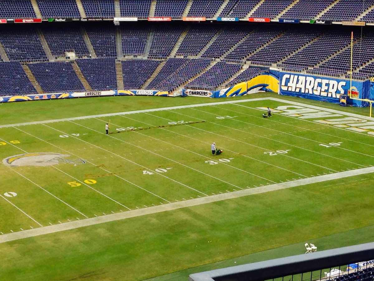 Grounds crew preparing to re-sod field between numbers to get it ready for MNF and Steelers. http://t.co/CuX8c8ki4p