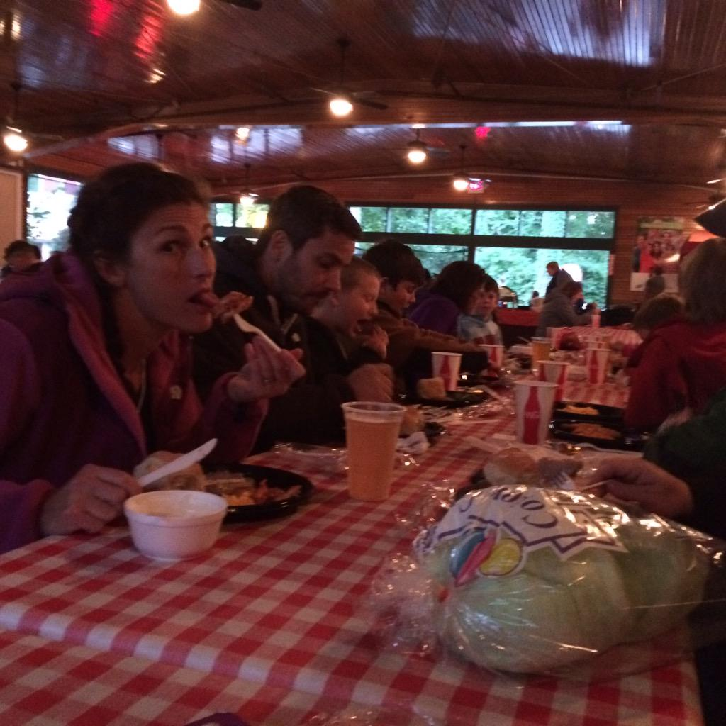 Dinner with all our friends @SF_newengland  #frightfest http://t.co/qd3b58Z4ok