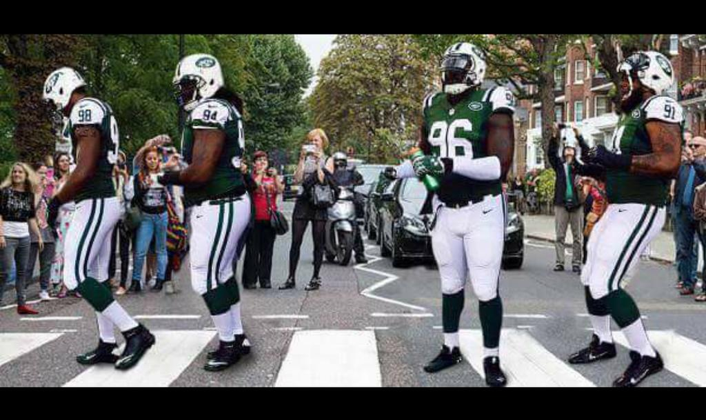 Jets do Abbey Road #UK http://t.co/Y6DMSMS6F5