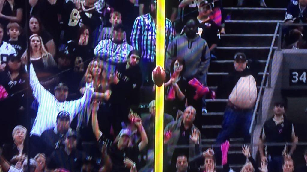Hocker clearly distracted on that field goal attempt. http://t.co/qyo2aTNDEA