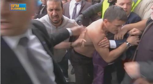 Le DRH d'Air France violemment pris à partie http://t.co/5Fq1UwZJ7q