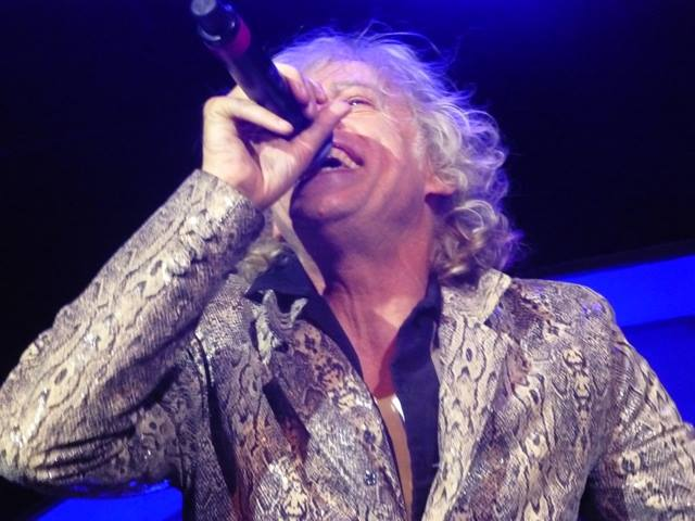 Happy 64 Birthday to Bob Geldof  from all your twitter fans. Hope you have a great day. Enjoy my pic. cheers Irene http://t.co/UX60PS1Snw