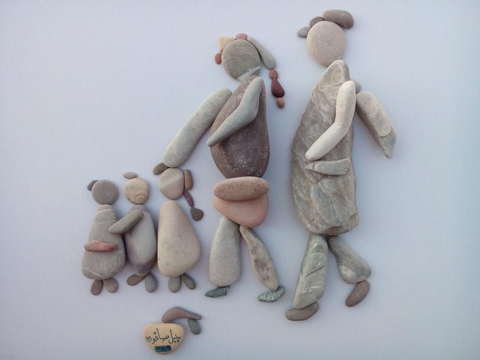 Syrian artist Nizar Ali Badr tells the stories of Syrian refugees by using stones. http://t.co/nVnTial5xd