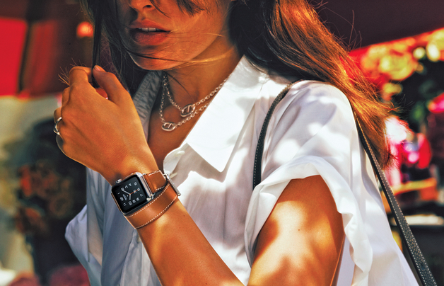 Today's launch of #AppleWatchHermes redefines modern luxury & the changing market. http://t.co/6IABCG9YOt http://t.co/xNi3JbsIXf