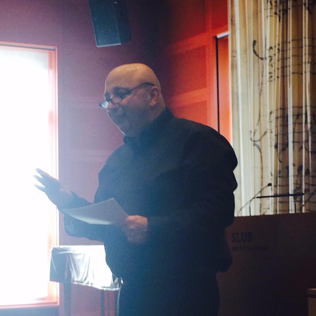 Kultur in Zeiten der Ungewissheit - Eröffnungsvortrag von @ArminNassehi in der @slubdresden #ddss15 http://t.co/zs2Tr9Z2XE