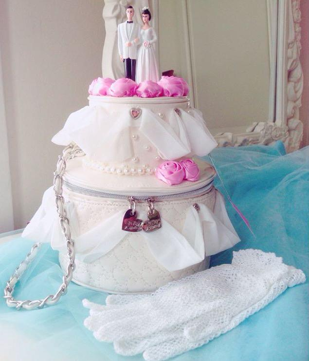 wedding cake bag betsey johnson on quot my wedding cake bag is 1 of my 21775
