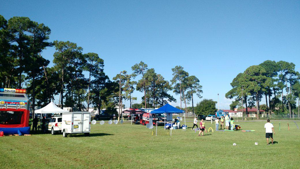 It was still early at Saturday's @healthyFl Health Fair #immbigbus http://t.co/nkzbmJGtV9