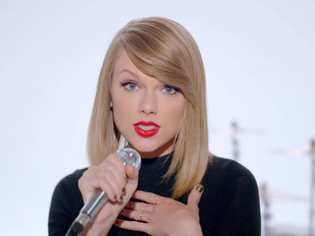 Taylor » News [DoSomething: celebridad más caritativa del mundo por cuarto año seguido.] - Página 39 CQkVKFhW8AAcx7i