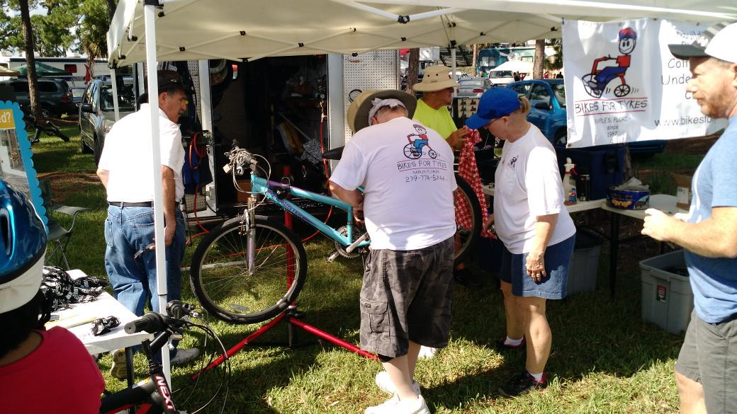 Saturday at #immbigbus @bikes4tykes at Immokalee Health Fair hosted by @HealthyFla #healthfair http://t.co/j5XZmqmA0I