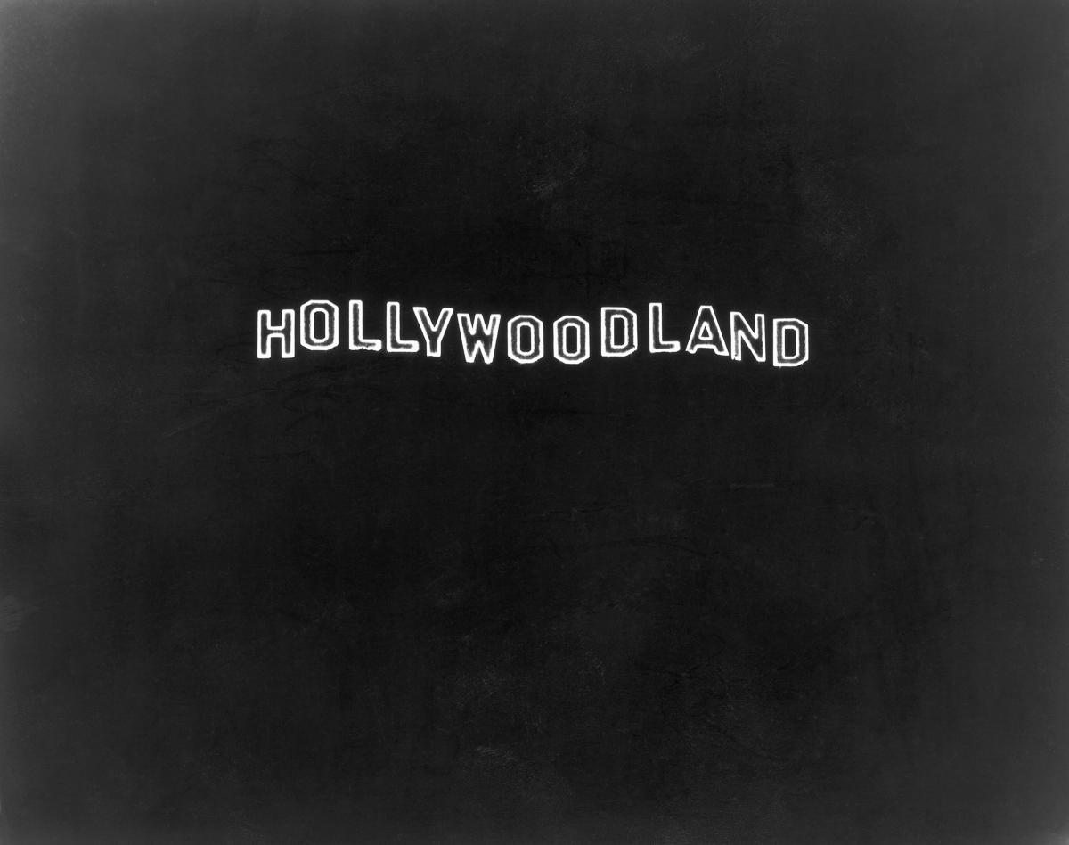 RT @mashable: TIL the Hollywood sign used to be really different... http://t.co/8PBul80H3u http://t.co/rxbqVfiFkm