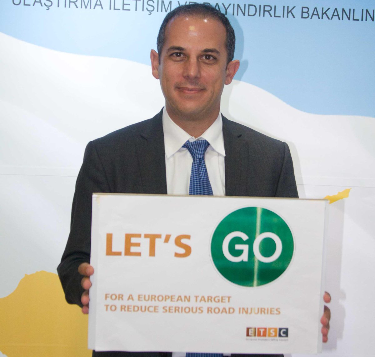 Thank you Marios Demetriades, Cyprus Min.of Transport for supporting an EU serious road injury reduction target. http://t.co/pOECLJGxdb
