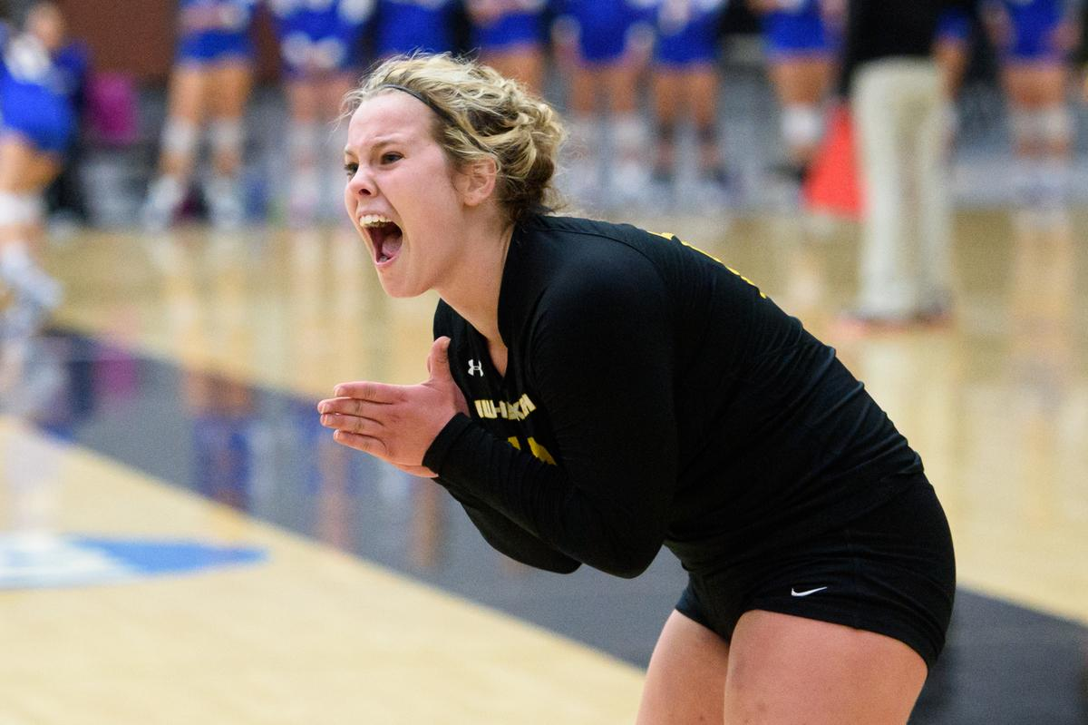 Uw Oshkosh Volleyball On Twitter Mandy Trautmann Was Named The Wiac Women S Volleyball Defensive Player Of The Week Story Http T Co Qxx3q4necu Http T Co W2bjndr1zi