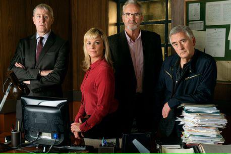 RT @WBTVPUK: Ready for a final trick, the UCOS team are about to solve their last case. The final #NewTricks, 9pm on @BBCOne. http://t.co/B…