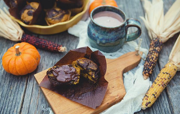 Pumpkin Chocolate Swirl Muffin #recipe for #befair @FairTradeUSA month. #embraceautumn http://t.co/YFa9LhgrD6