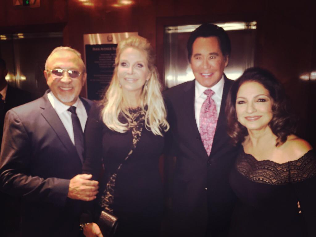 With the incredible @waynenewtonmrlv at the #GSLD30 @buonicontifund #cureparalysis http://t.co/DDjjTJpvOX