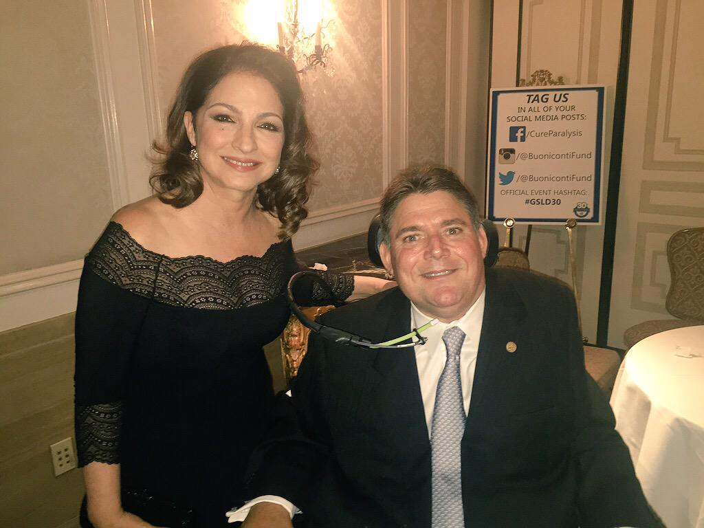 With the amazing #MarkBuoniconti at the #GSLD30 @buonicontifund #cureparalysis http://t.co/ZtGRYdCTxc