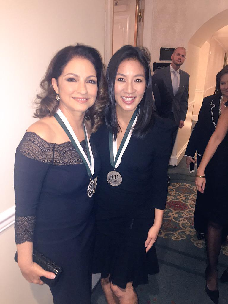 With the talented @MichelleWKwan at the #GSLD30 @BuonicontiFund #cureparalysis http://t.co/HxpKjYqmnR