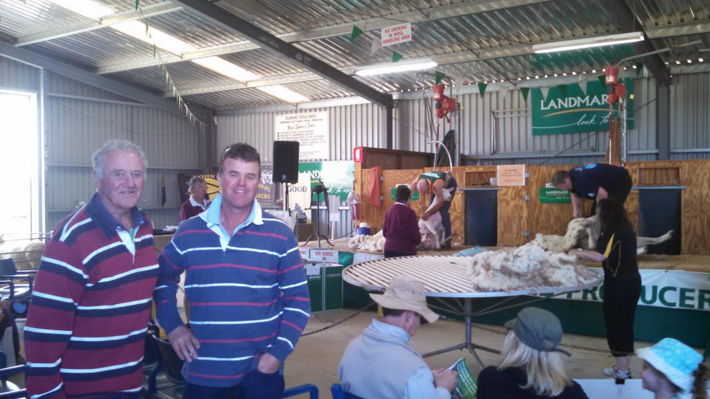 Viewing Cashmore Oaklea team , Ewes for the Future, Elmore Field days. Growth fertility $ evaluated next 4 years JK