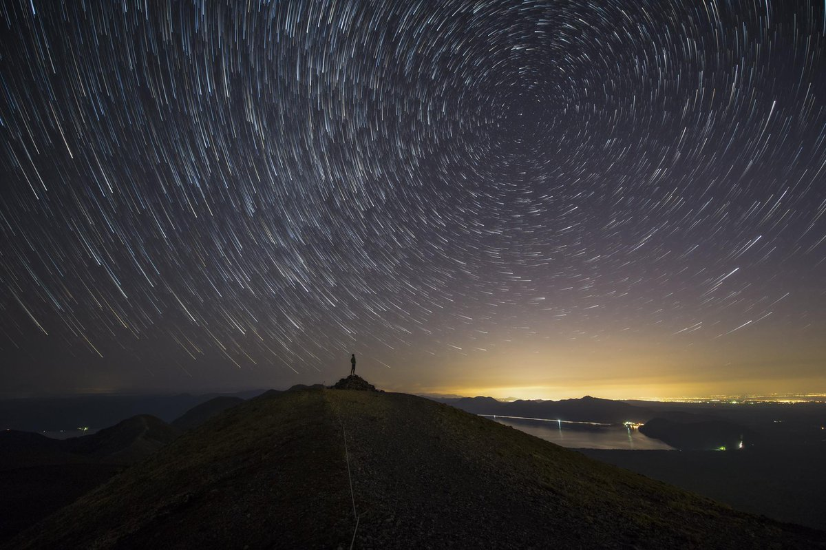 奇跡の13連休が取れたので、試される大地に行ってきました。星が零れ落ちてきそうな程の漆黒の空。広大な大地。とんでもない所でした。#ファインダー越しの私の世界  #写真好きな人と繋がりたい pic.twitter.com/C8VvvvfqWy
