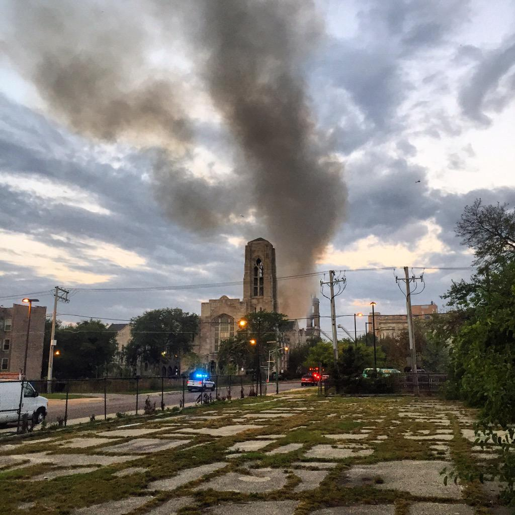 3-alarm fire in #woodlawn #Chicago this morning. @TBrownABC7 http://t.co/2rs8z8u1PV