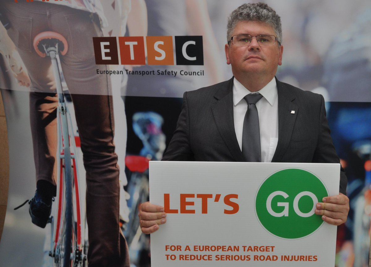 Thanks Zsolt Becsey, Dep State Sec for Trans, HU for supporting an EU serious road injury reduction target. #LetsGo http://t.co/682FcayX1V