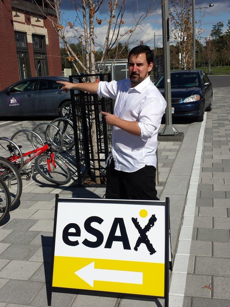 Just in case you were wondering, #eSAX is this way! Join us tonight @ #lansdownepark. 6pm http://t.co/QGLPAX8d83