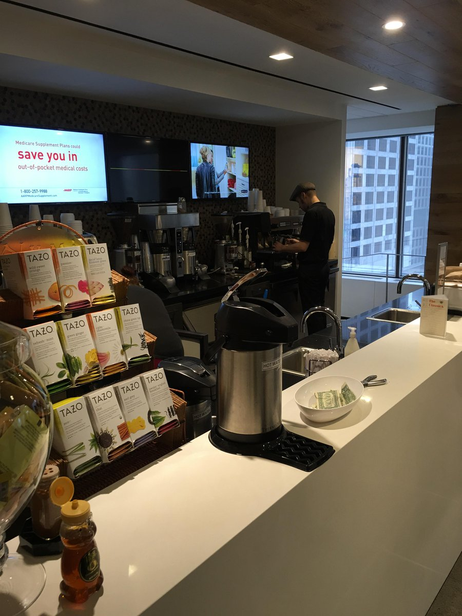 NEED coffee so I'm heading down to FCB's in-house coffee bar to grab some cold-brew before my 9 am meeting. #TNU2WD http://t.co/19pWzUTj4g