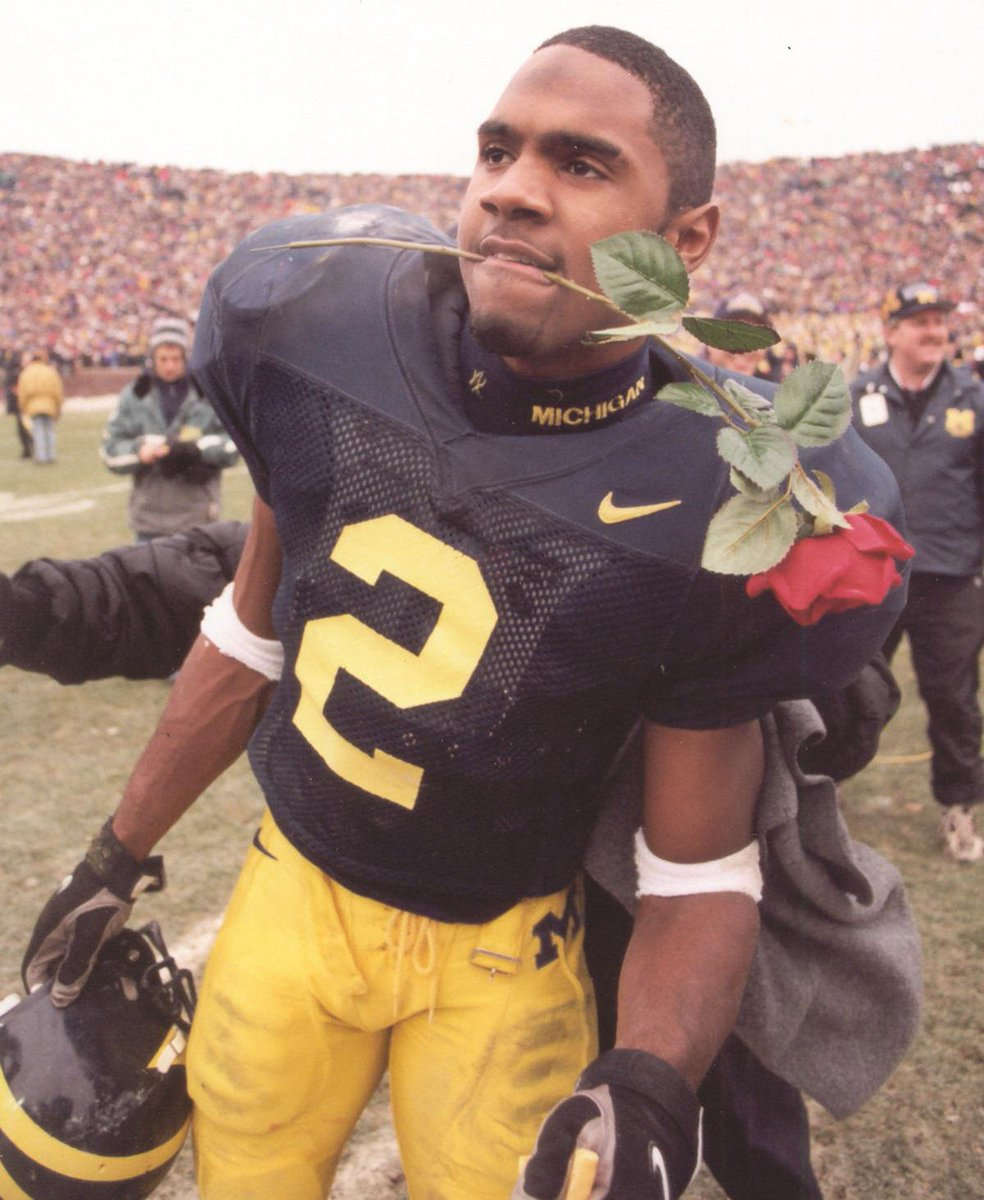Happy birthday to former @umichfootball player Charles Woodson (@CwoodsonF)! #UMalumni http://t.co/4sIMUtD0Xt