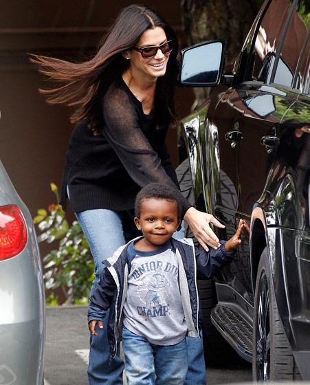 "RT @newsone: ""I want my son to be safe:"" Sandra Bullock opens up about raising a black child http://t.co/vaIT9UiVUA http://t.co/Slbj0SZVMW"