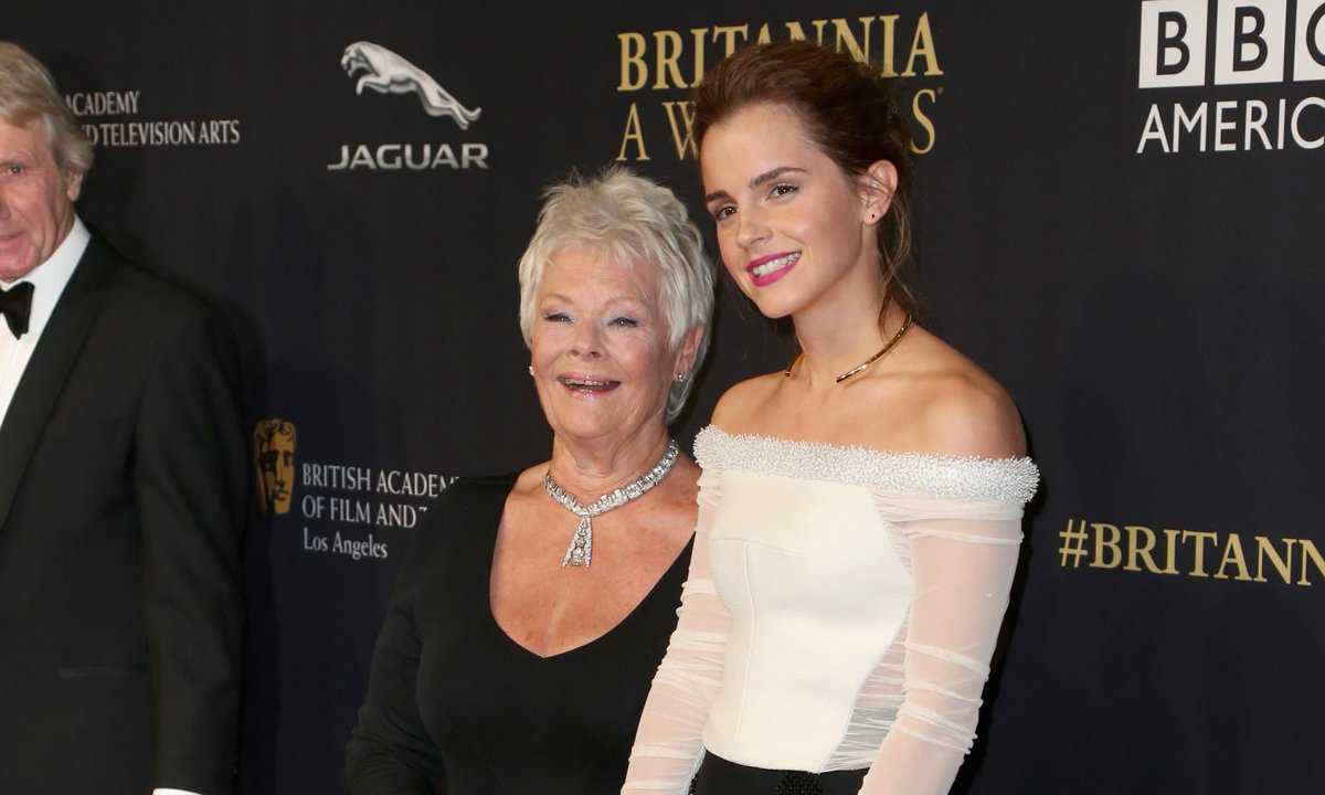 Remember when this happened? Dame Judi Dench and @EmWatson on the 2014 #Britannias red carpet! http://t.co/ouBTtHqbFG