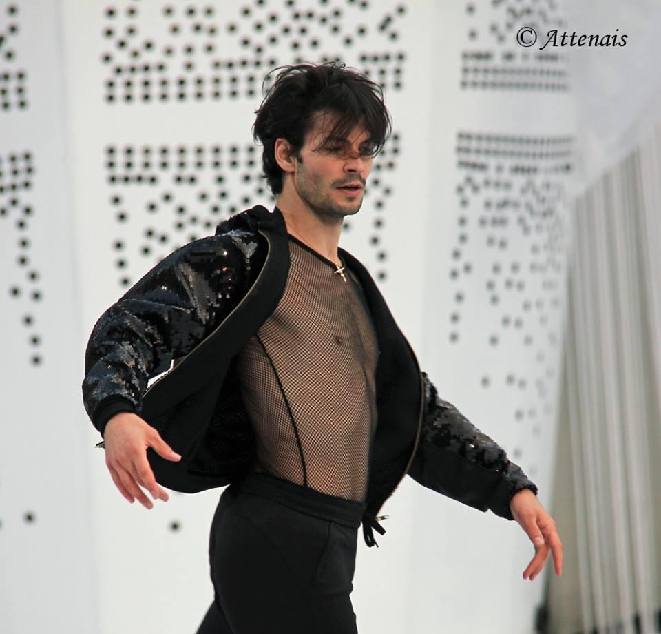 Стефан Ламбьель - Страница 2 CQvKY6aWIAAx5ke