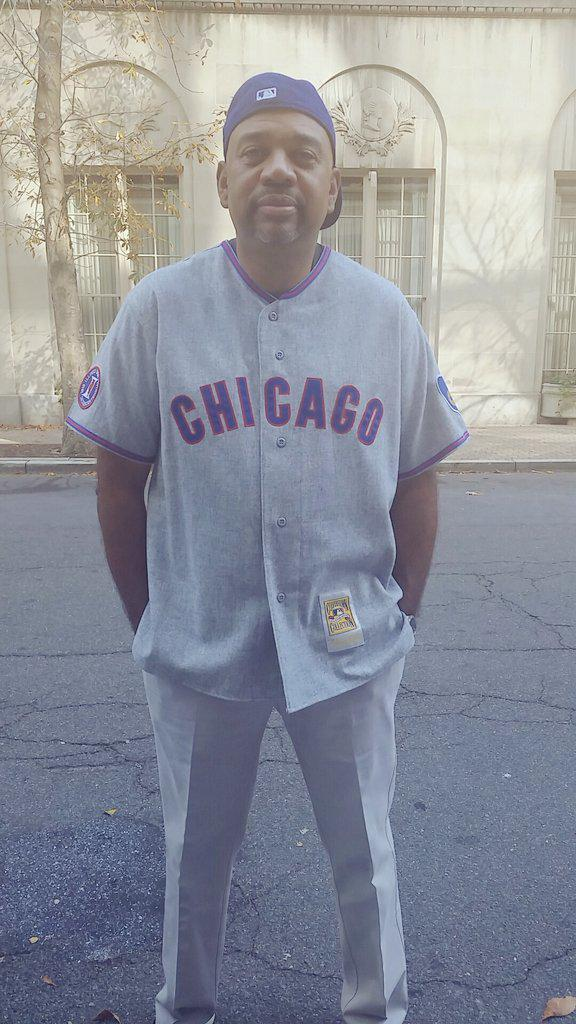 Where the real Cubbie fans at!? http://t.co/IlZn2IHDj9