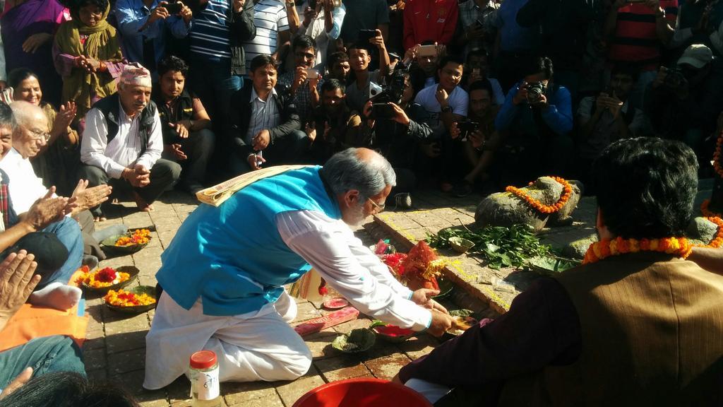 मनोज गजुरेलद्वारा पशुपतिमा मोदीको व्यंग्यात्मक पापमोचन (भिडियोसहित)