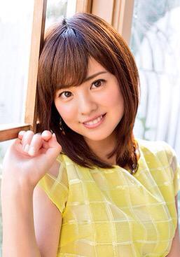 曽田麻衣子窓に寄り掛かる可愛い写真