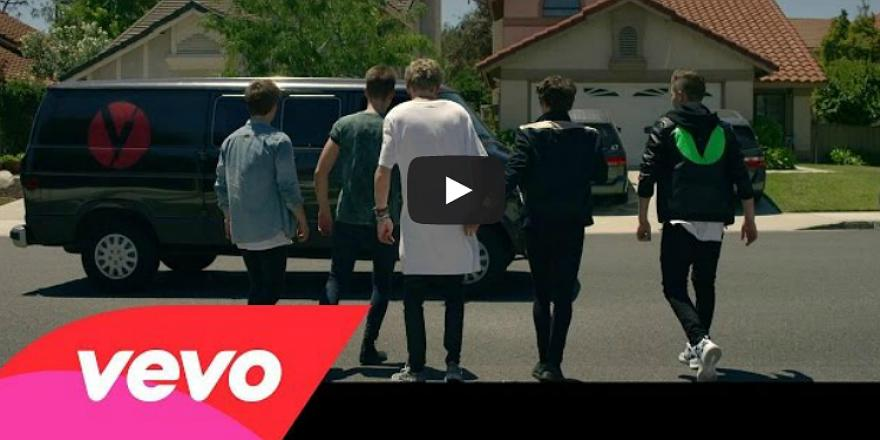 Watch @BrooklynBeckham play daredevil in @TheVampsband's new music video: http://t.co/fzlPgNh7CW http://t.co/Hi1XdUZsRO