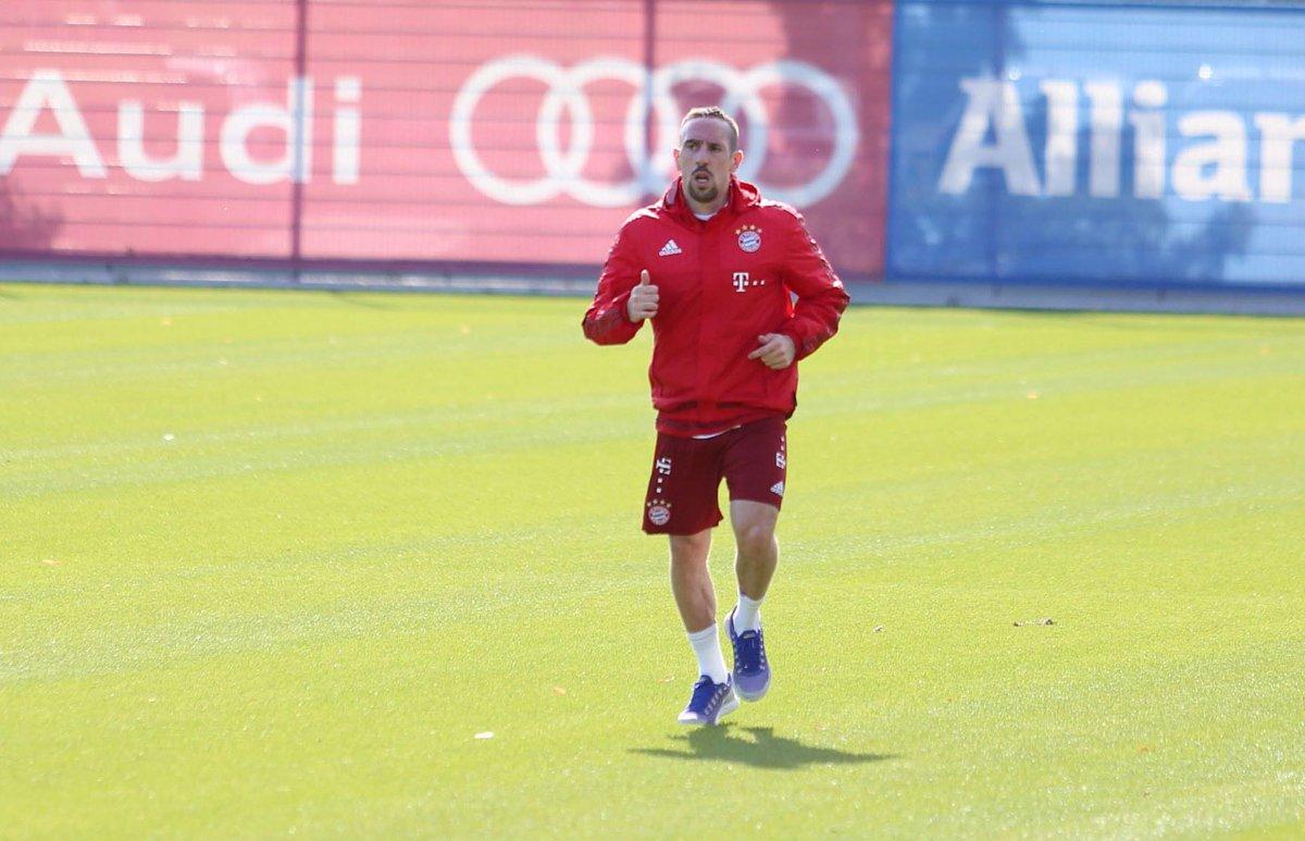 Gute Nachrichten! Auf dem Weg zum ersehnten Comeback macht Franck Ribéry weiter Fortschritte: http://t.co/pcHAnvyFtx