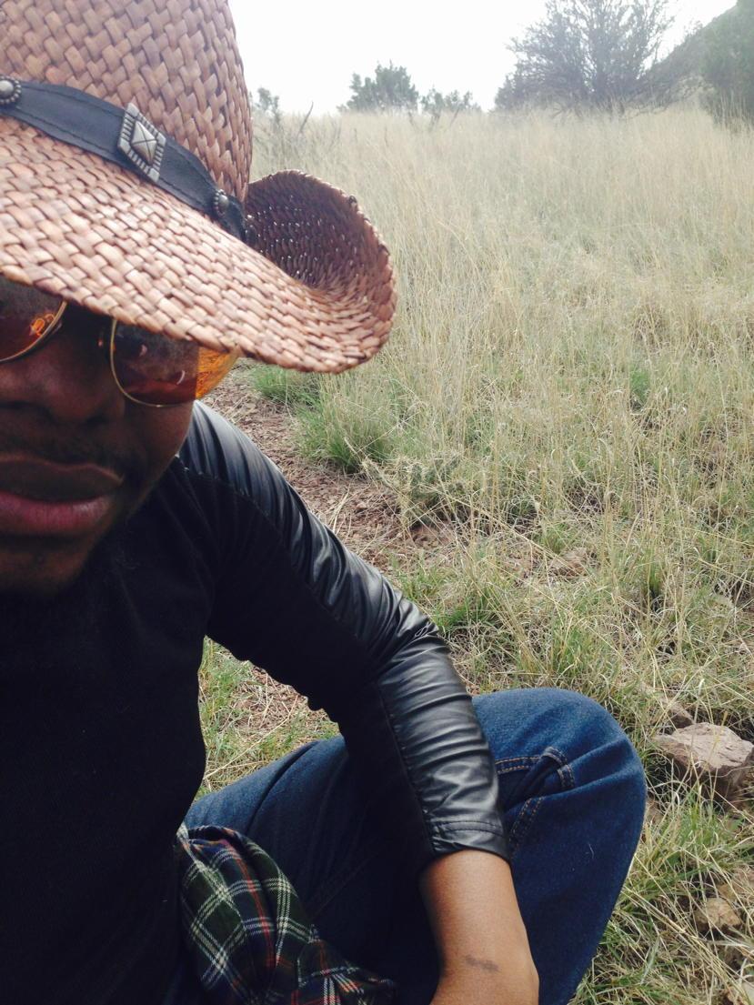 Giving Cowboy Realness in Tx, #classicblack #blackfashion http://t.co/oBdO5u6zar