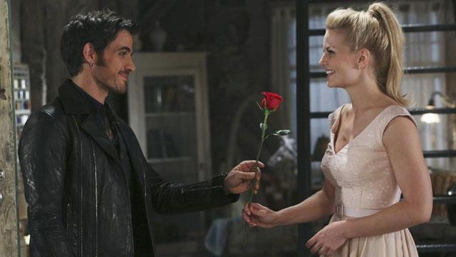 EXCLUSIVE: #OnceUponATime: Hook and Emma Relive Their First Date -- And It's Intense! http://t.co/JsCFC4pDgq http://t.co/LG7WKF9uns