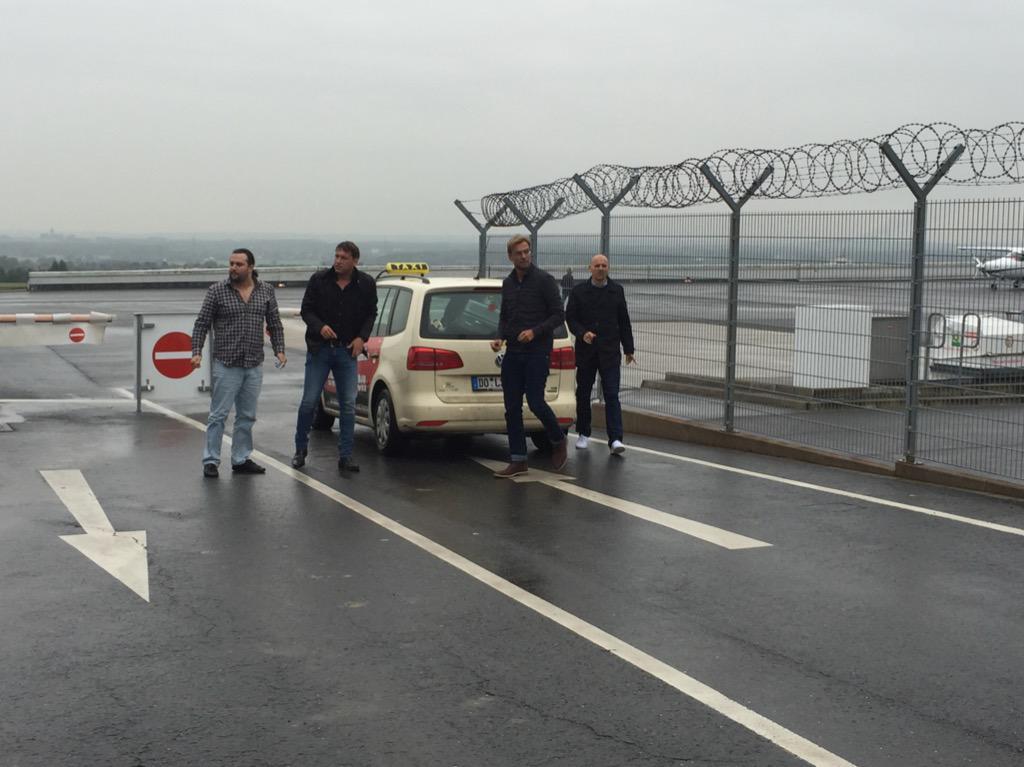 Erwischt! #Klopp at Dortmund Airport. Klopp am Flughafen Dortmund! #KloppForKop