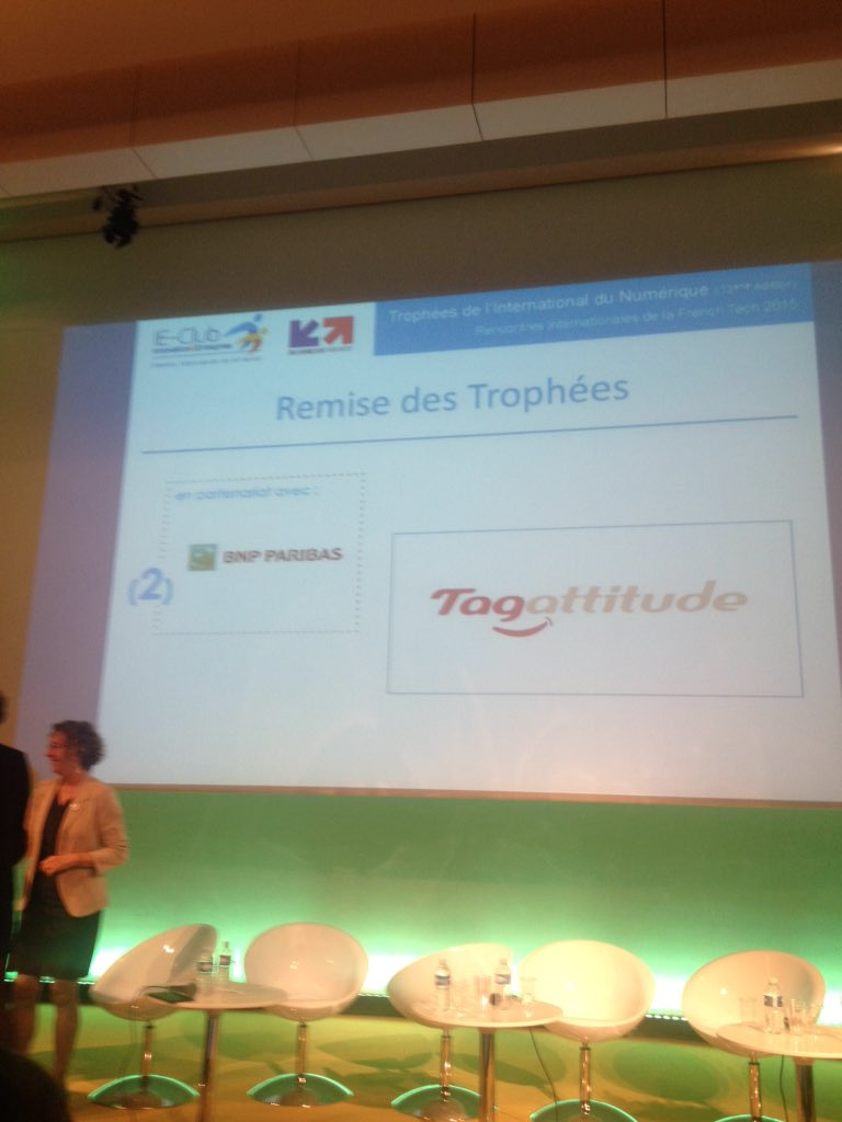 Trophée pour tagattitude #prixbnpparibas #FrenchTechRI #bravo https://t.co/6m3cXsQ6wp