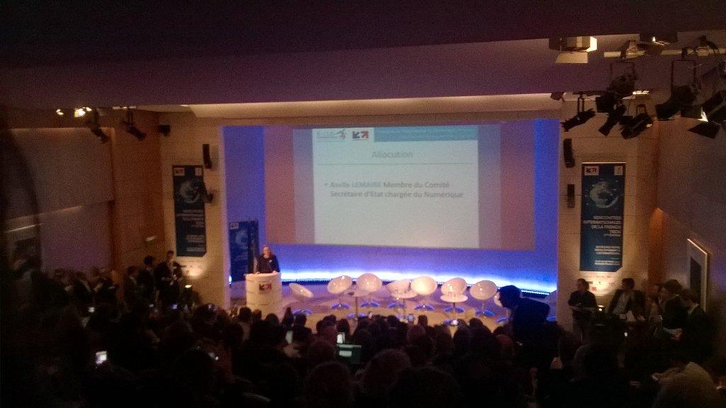450 participants #FrenchTechRI Succès total! Discours de clôture d @axellelemaire avant la remise des prix @BF_TIC https://t.co/pmOCWOHpu3