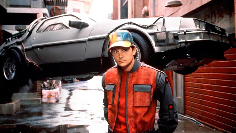 21 жовтня 2015 р. — день, в який герою легендарного фільму «Назад в будущее» вдалось переміститись на машині часу. https://t.co/Y0Ls8x0ZBJ