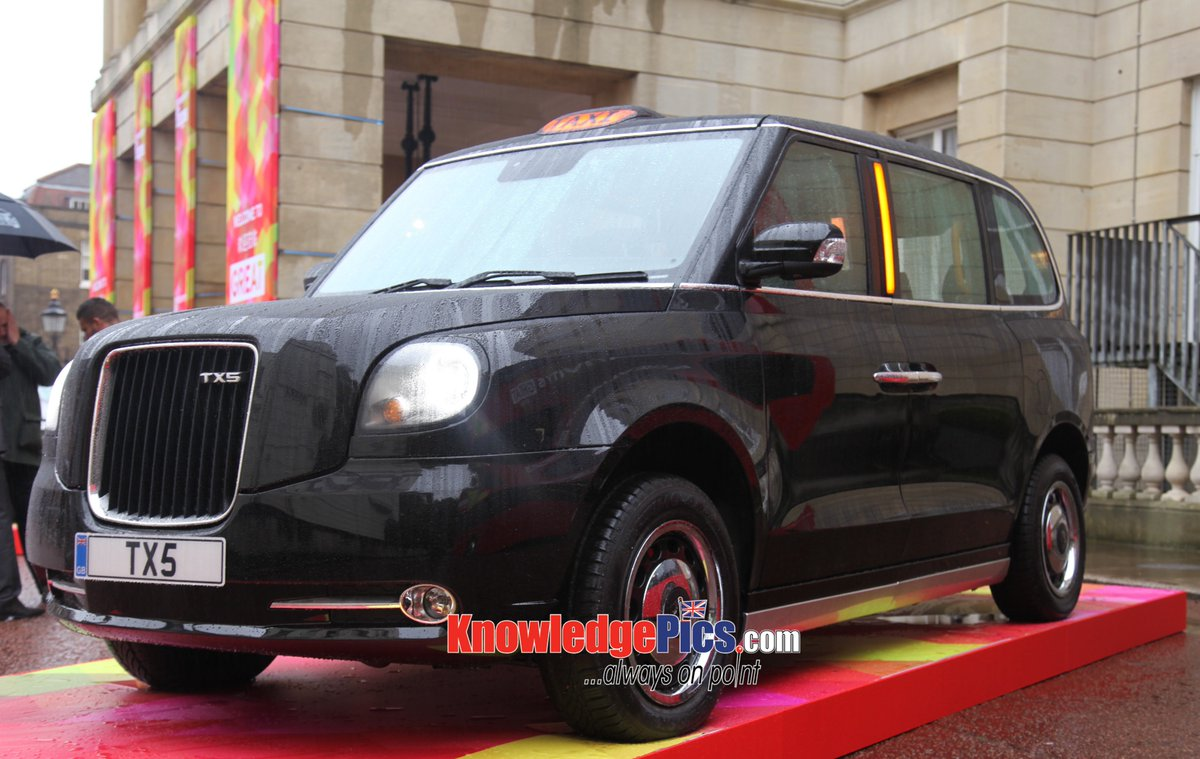 meet the new london taxi hybrid tx5 black cab revealed gospeedinfo. Black Bedroom Furniture Sets. Home Design Ideas