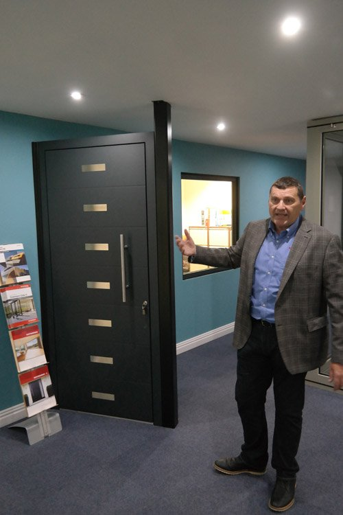 Martin James MD Of @DutemannUK Launched Haus Tur, Glide S Pocket U0026 Corner  Bifold To Customers And The Press Today.pic.twitter.com/npYZ3R83rP