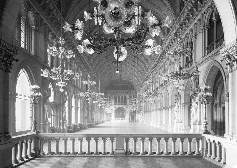 Zum Zeitpunkt seiner Einweihung war der Festsaal des Wiener Rathauses der größte Saal Österreichs. (1/2) #WienFakt https://t.co/dWqHYx13Yb